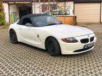BMW_Z4_matt_blue_white_pearlescent_01_1