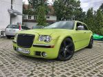 Chrysler-300c-foliert-in-Avery-SWF-yellowgreen-01