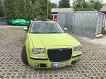 Chrysler-300c-foliert-in-Avery-SWF-yellowgreen-02