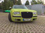 Chrysler-300c-foliert-in-Avery-SWF-yellowgreen-03