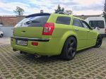 Chrysler-300c-foliert-in-Avery-SWF-yellowgreen-05