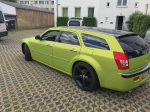 Chrysler-300c-foliert-in-Avery-SWF-yellowgreen-06