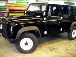 land_rover_defender_foliert_in_glaenzend_schwarz_20131129_2039378235