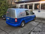 Teilfolierung_VW_Caddy_foliert_in_Avery_blue_03
