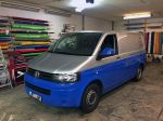 Teilfolierung_VW_Transporter_T5_foliert_in_Avery_blue_02